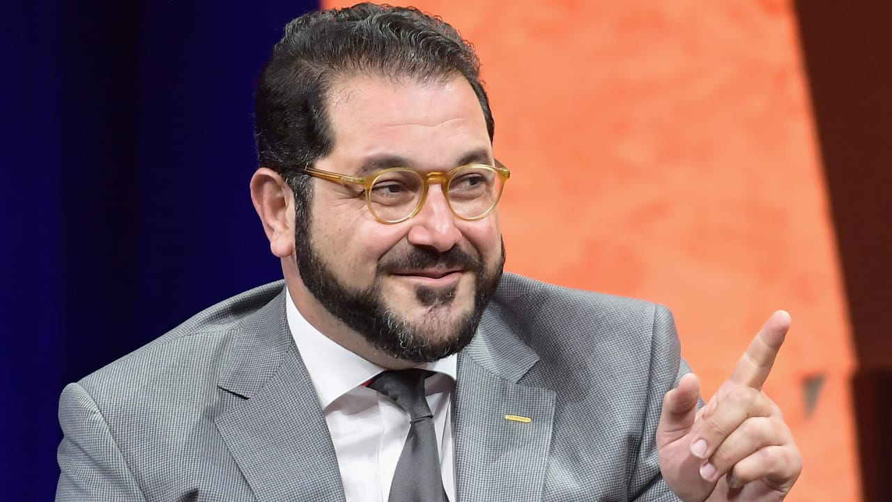With a dramatic flair, Shervin Pishevar resigns from Sherpa Capital amid allegations