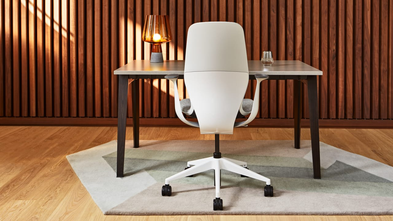 Exclusive: Steelcase\'s SILQ Is The Office Chair Of The Future