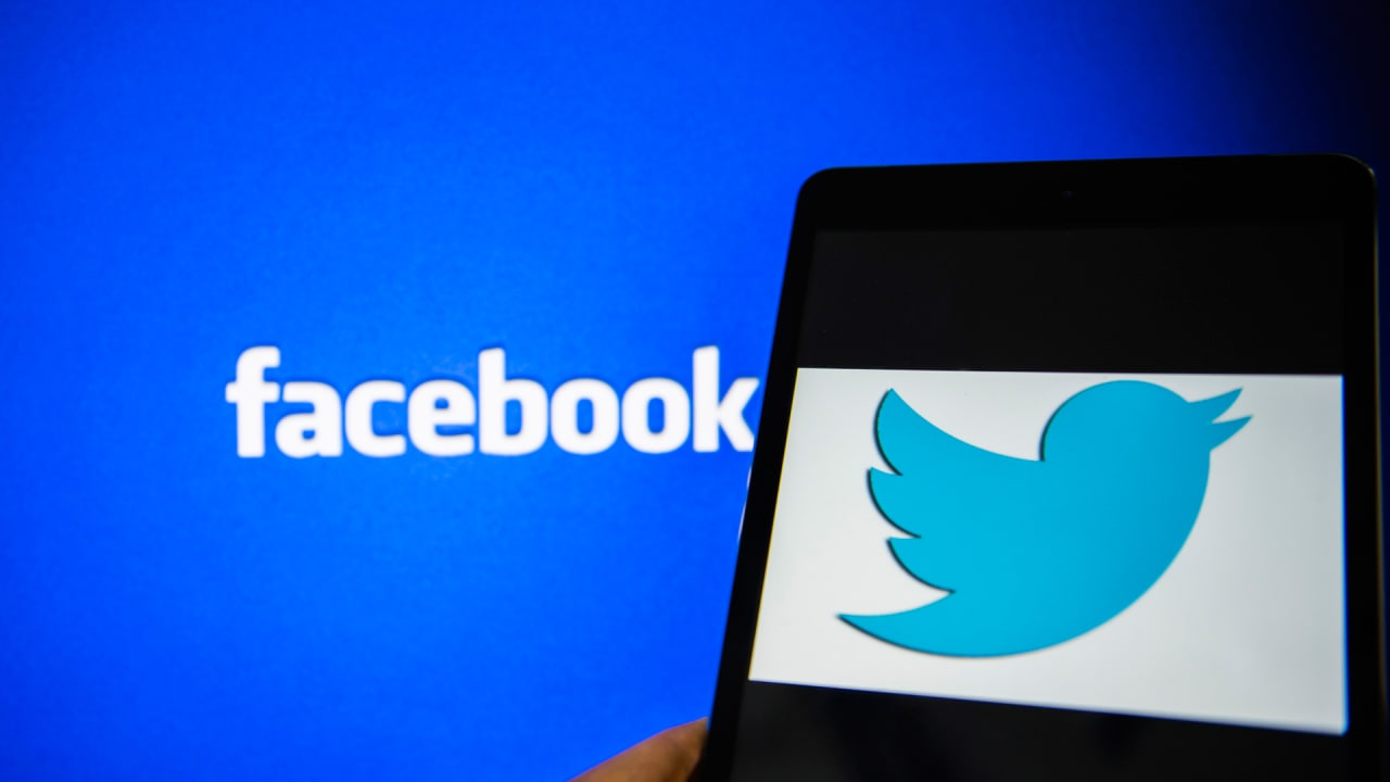 twitter and facebook From breaking news and entertainment to sports, politics, and everyday interests, when it happens in the world, it happens on twitter first see all sides of the story.
