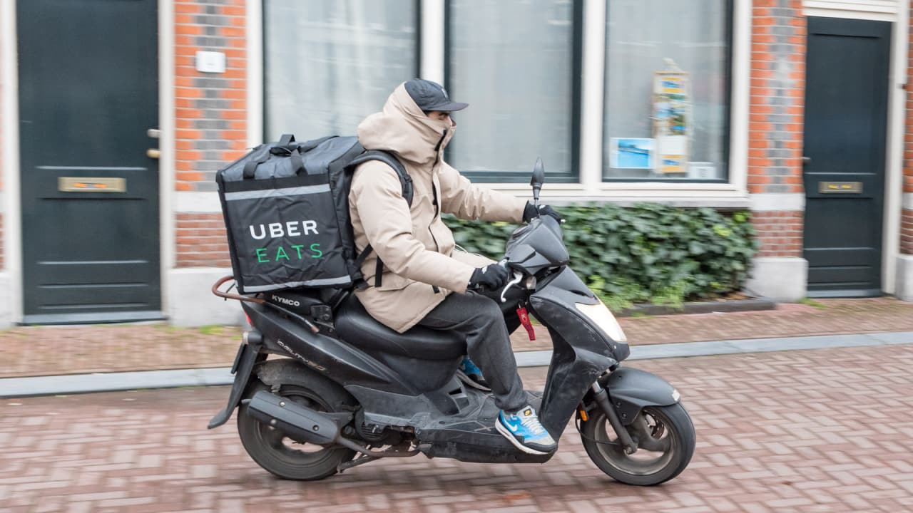 delivery driver for uber eats