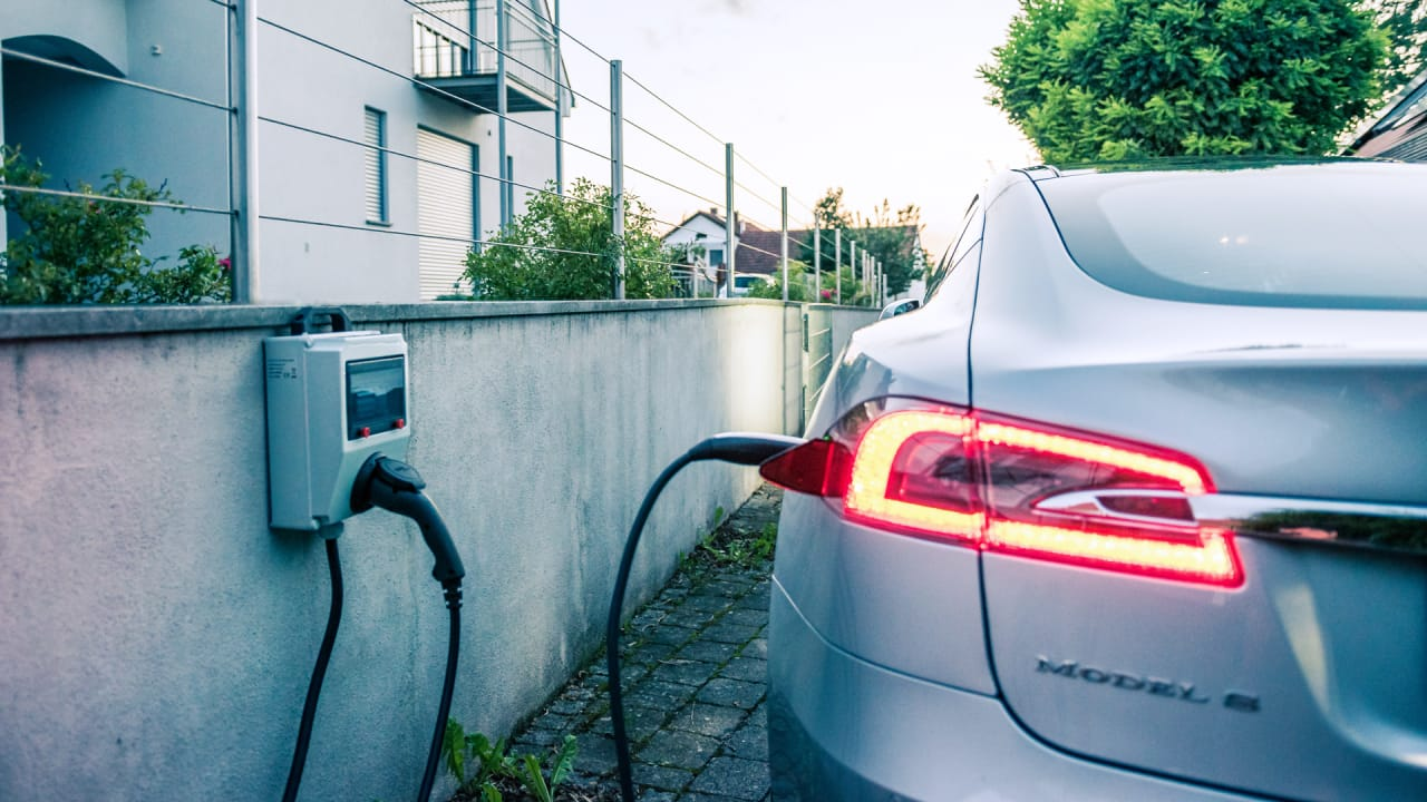 Owning An Electric Car Is Twice As Cheap As Owning A Gas