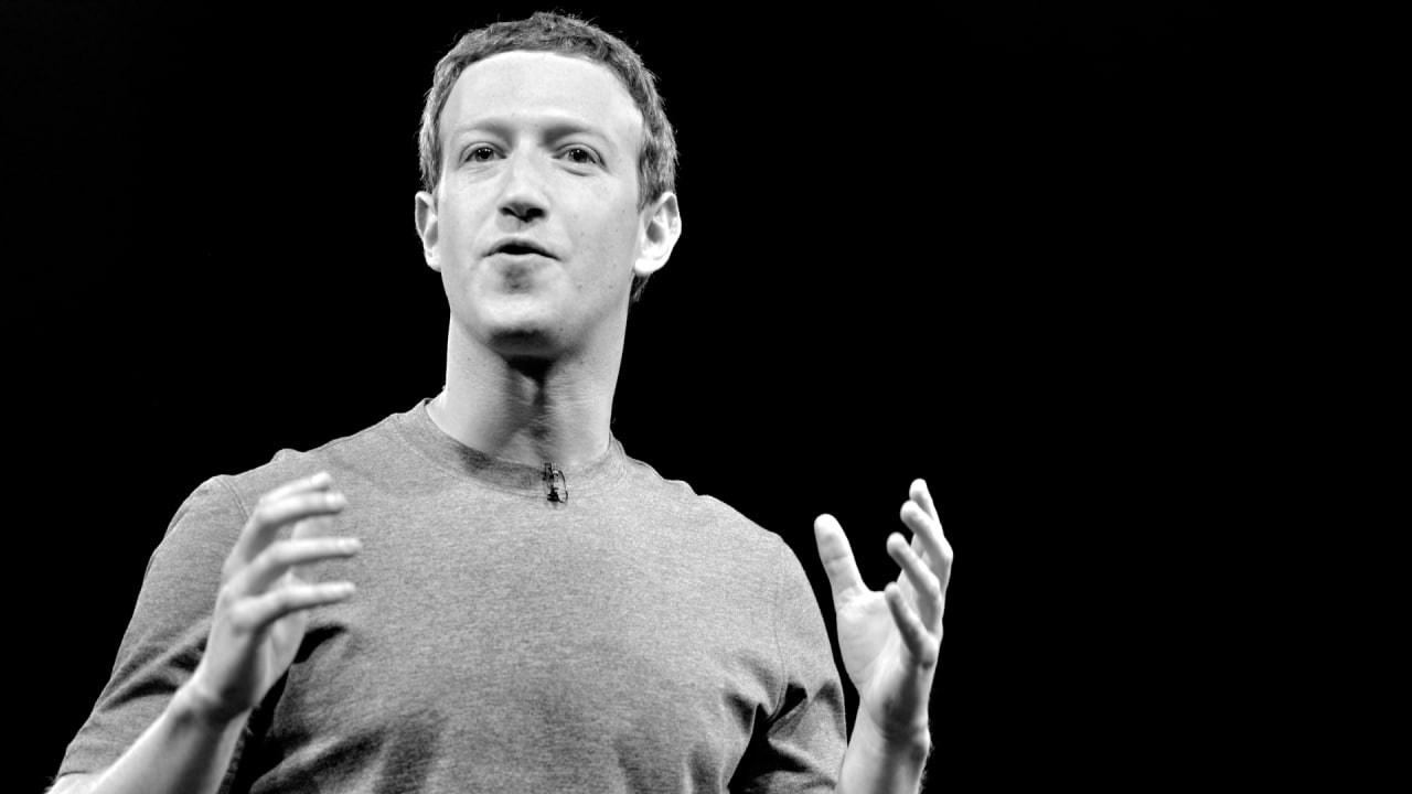 Zuckerberg to address Cambridge Analytica crisis in next 24 hours