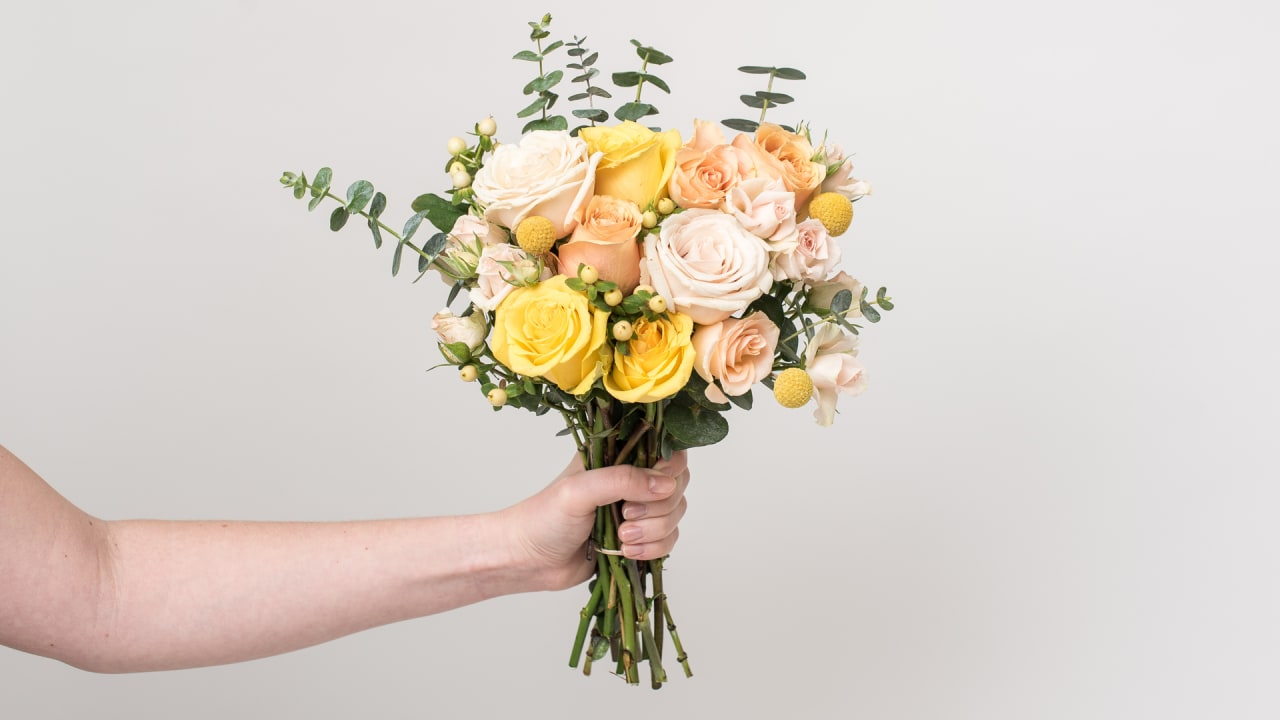 This flower startup wants women to buy bouquets for their friends