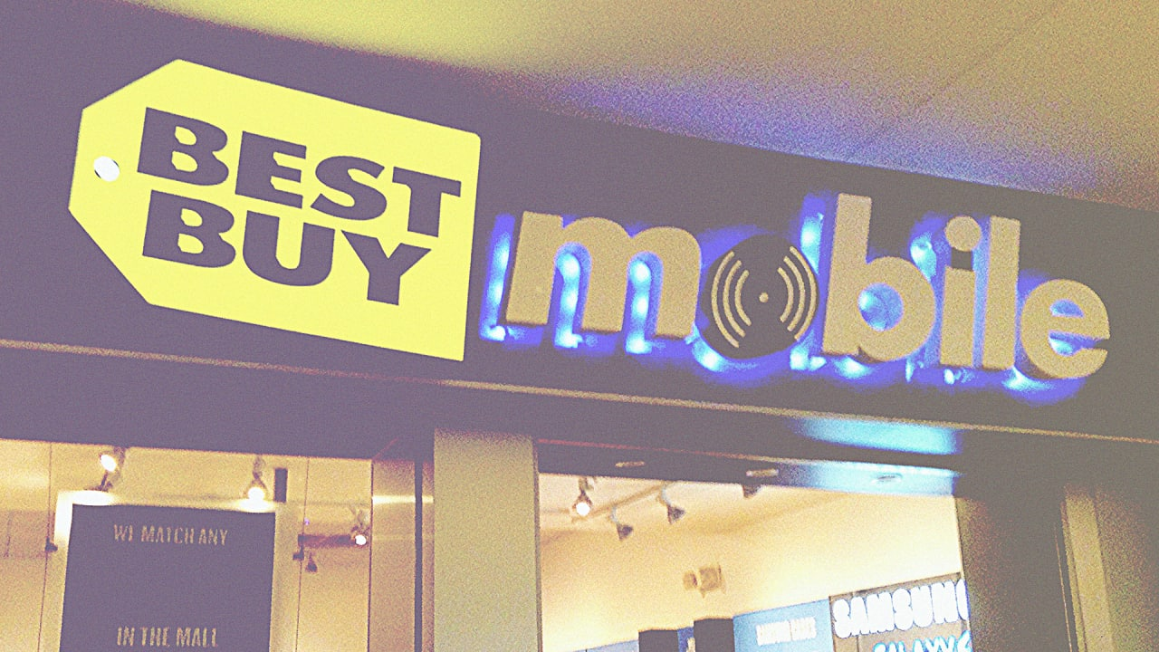 Best buy is closing 250 mobile stores in the u s for Best place to buy posters in store