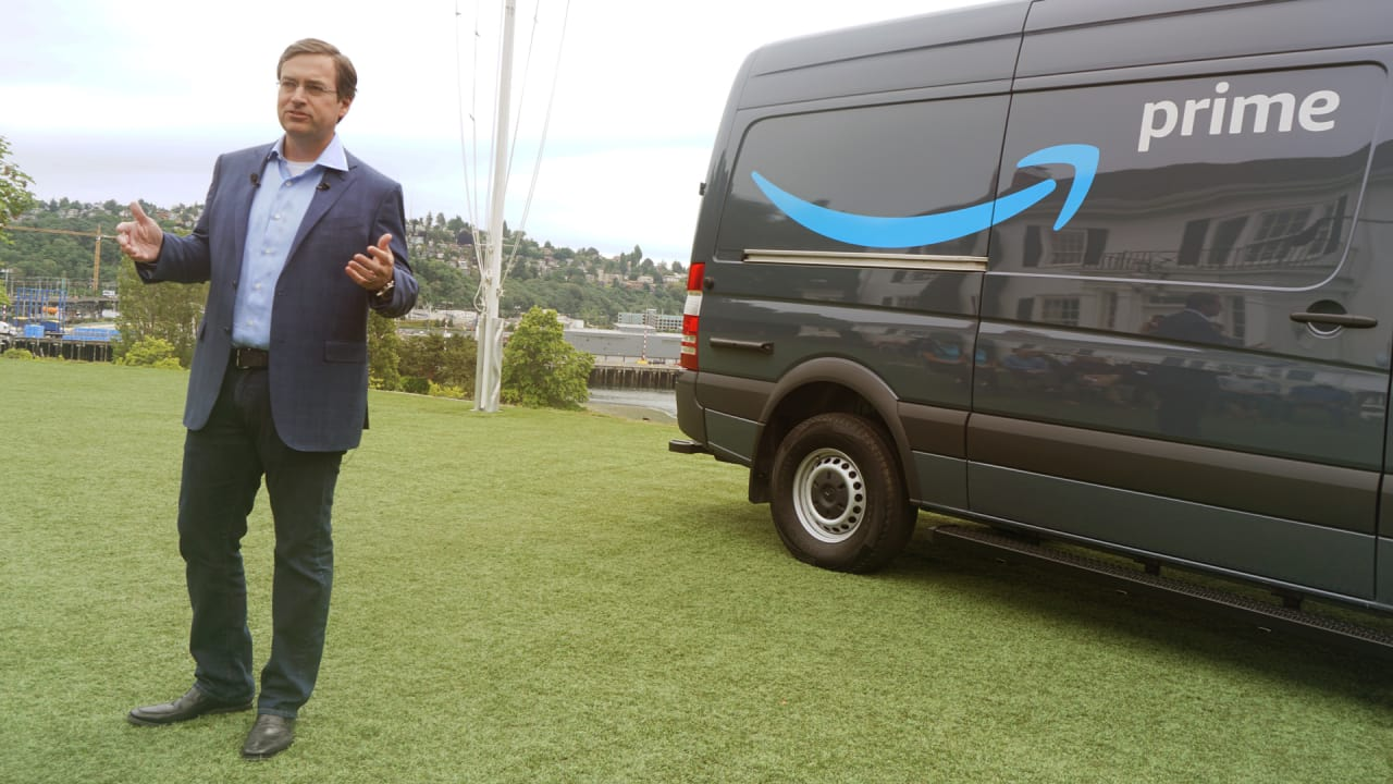 Amazon wants its delivery network to include hundreds of