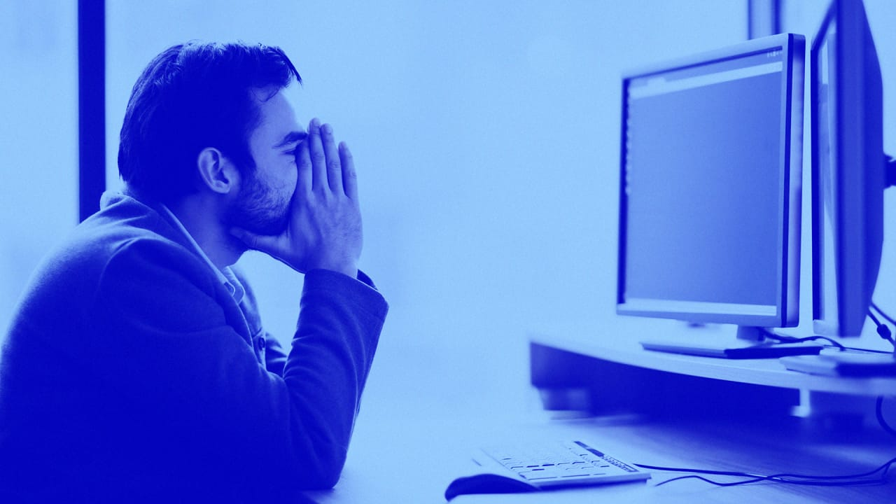 This is how to deal with your incompetent coworkers