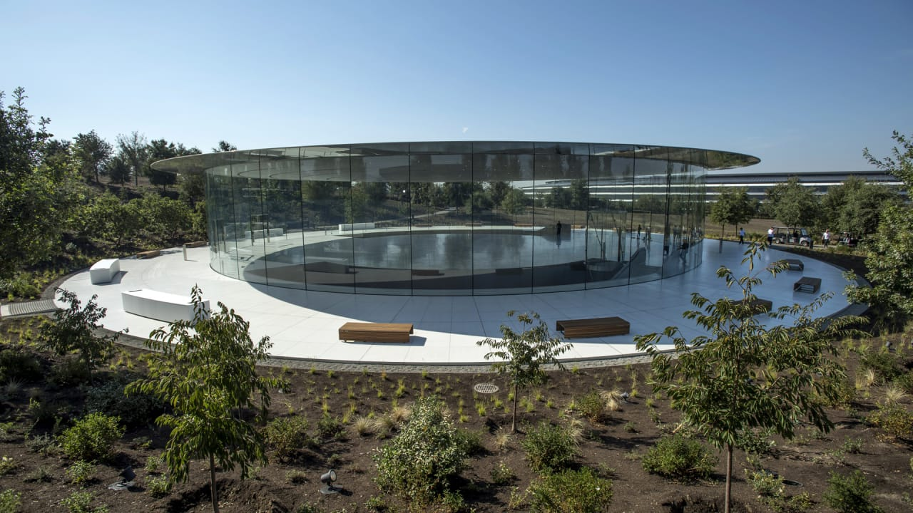 Apple's lesser-known engineering feat? Its buildings