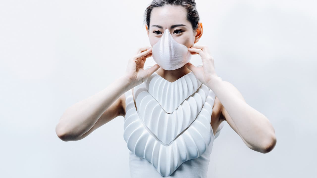 Amphibio is a 3D-printed shirt that lets you breathe underwater