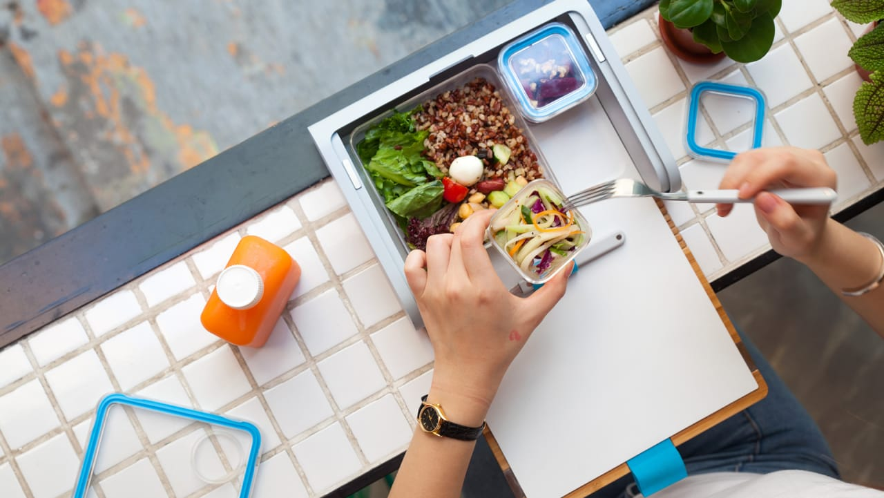 This Lunch Box for Adults Transforms Sad Desk Eating into an Instagram Event