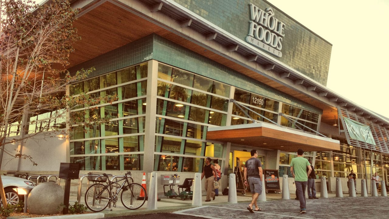 Whole Foods Workers, Painting a Grim Future Under Amazon, Want to Unionize