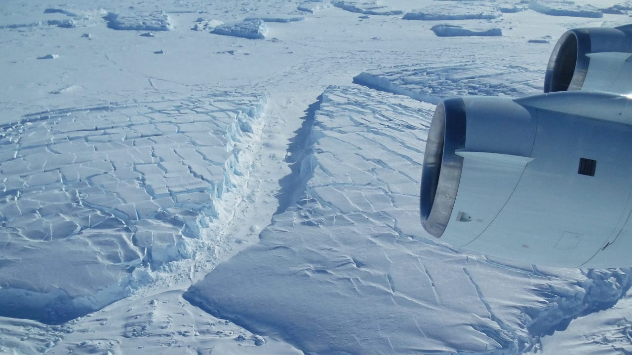 Could a Giant Underwater Wall Help Save Glaciers from Collapse?