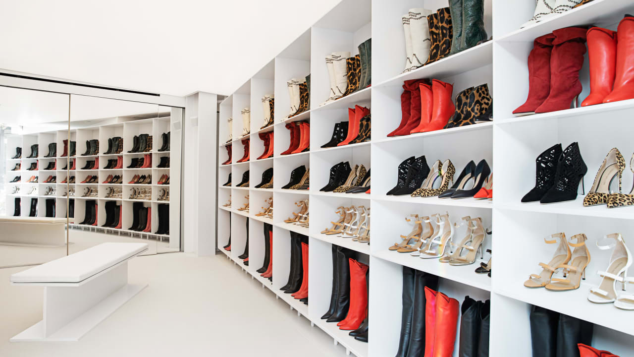21468f5d7 Tamara Mellon opens her first shoe store in California