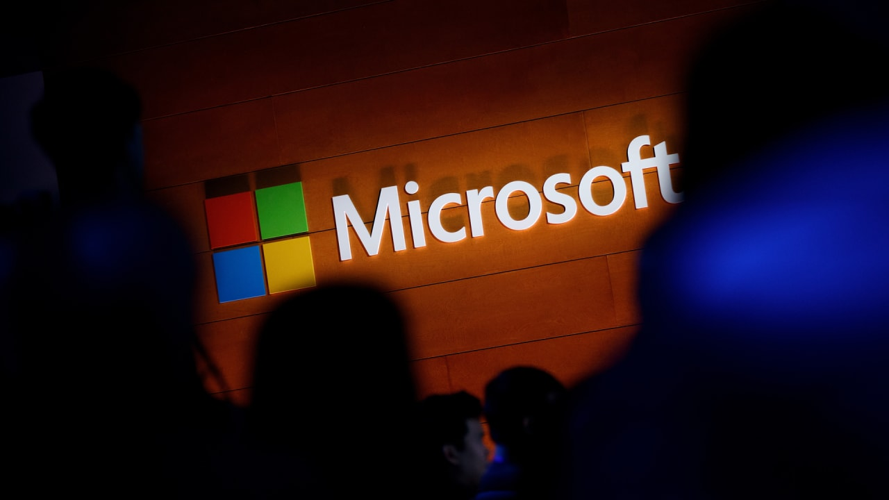 How Microsoft has (so far) avoided tough scrutiny over privacy issues