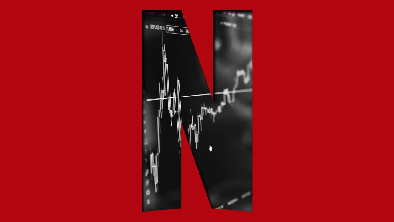 netflix stock tanks despite record q4 subscriber growth