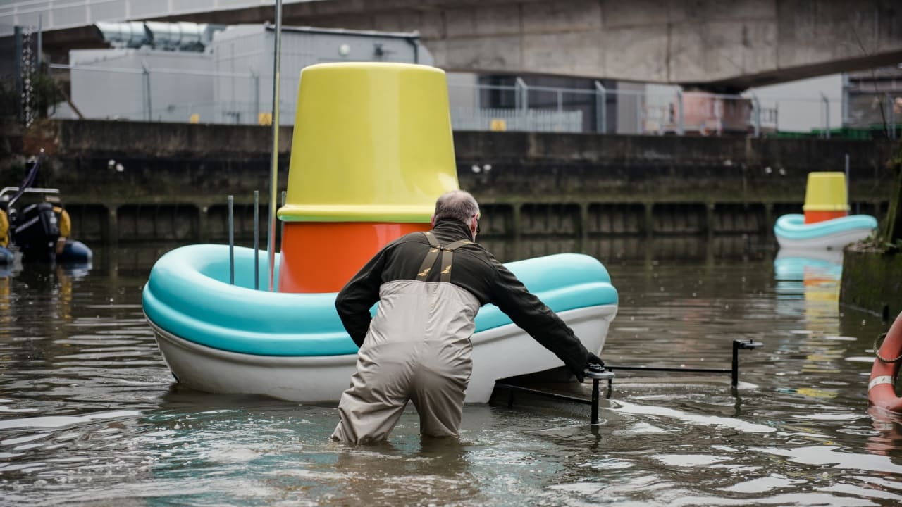 Super-sized Ikea Tub Toys are Cleaning up London's River Trash