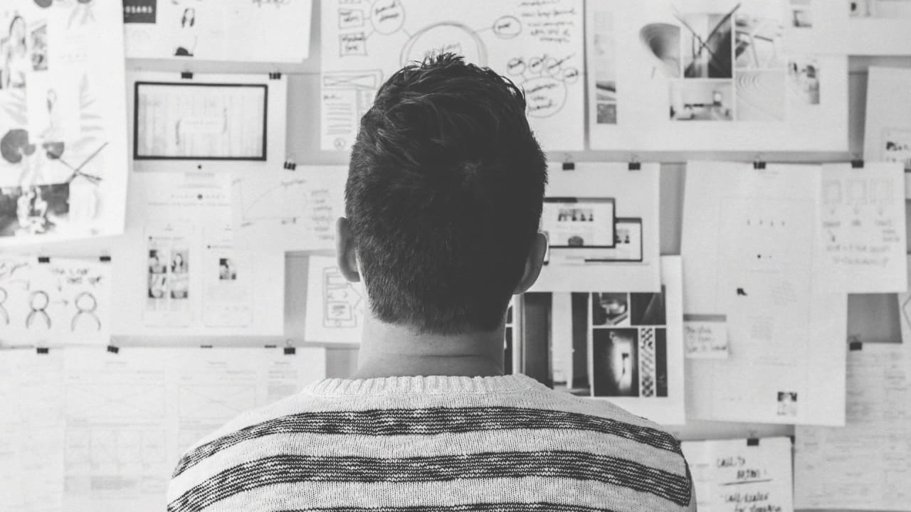Why Forgetting at Work Sometimes Helps You Make Better Decisions