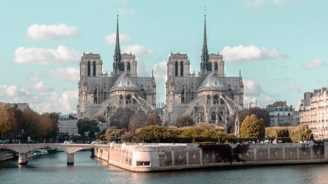 French politicians demand that Notre-Dame be restored as an exact replica