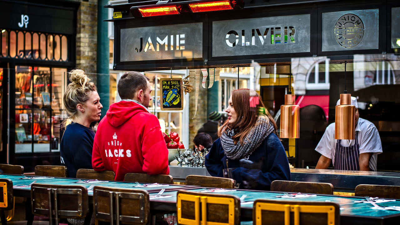 Jamie Oliver's Restaurants are Bankrupt-1,000 Employees Let Go