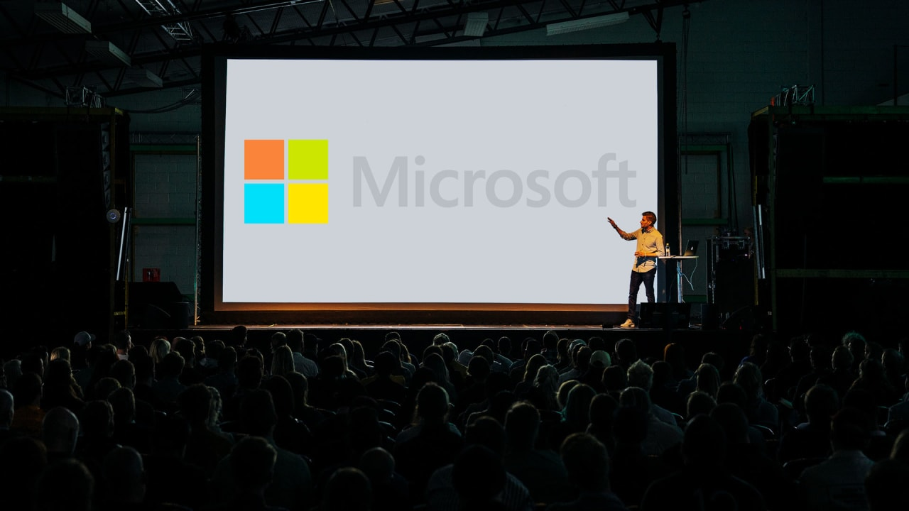 """I create presentations at Microsoft. Here's how I avoid """"Death by PowerPoint"""""""