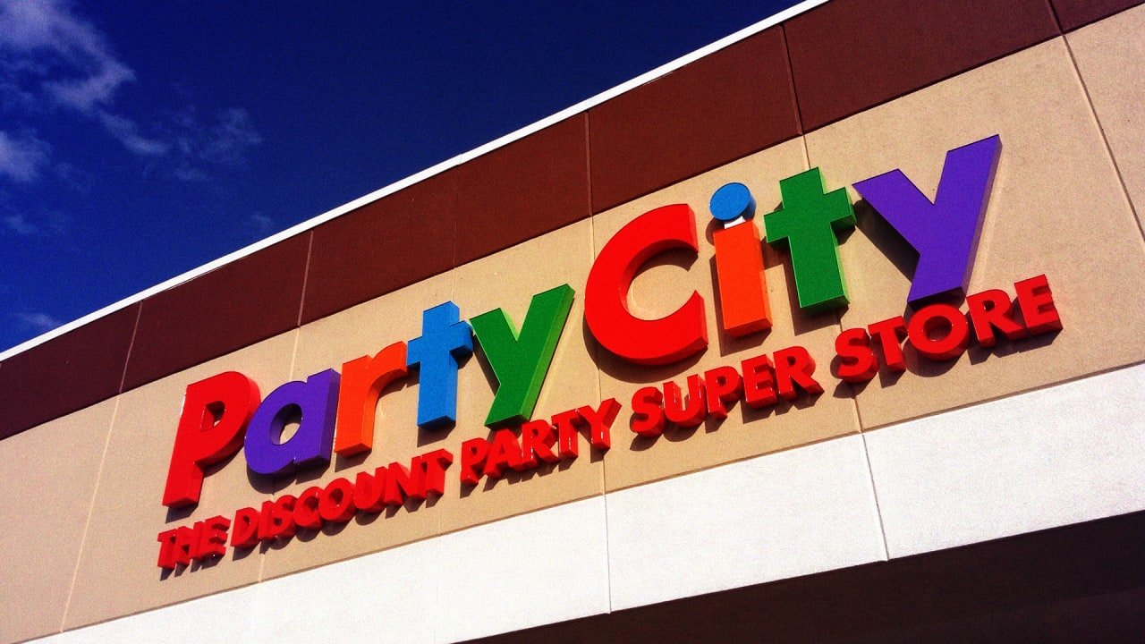 Party City is closing 45 stores amid a helium shortage, says
