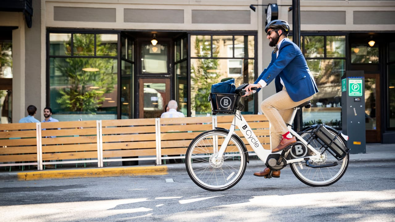 Madison BCycle becomes first 100% electric bike share system