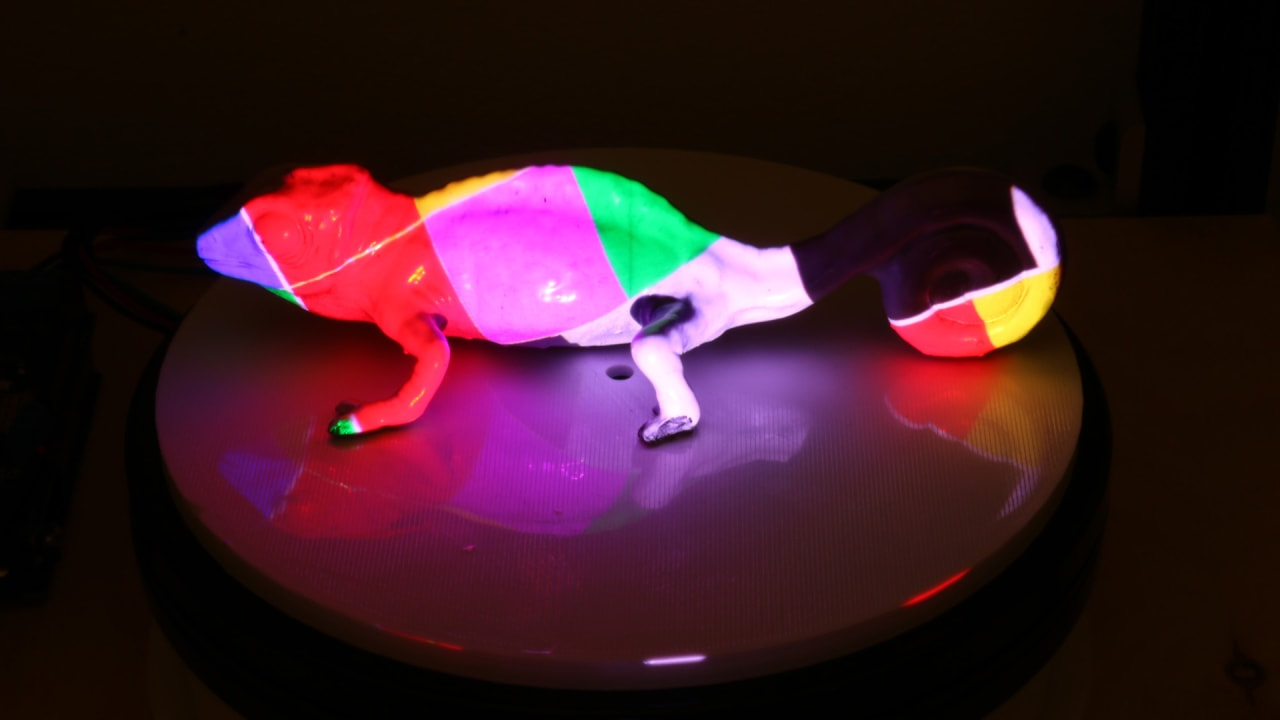 MIT\'s new color-changing ink lets you customize your stuff