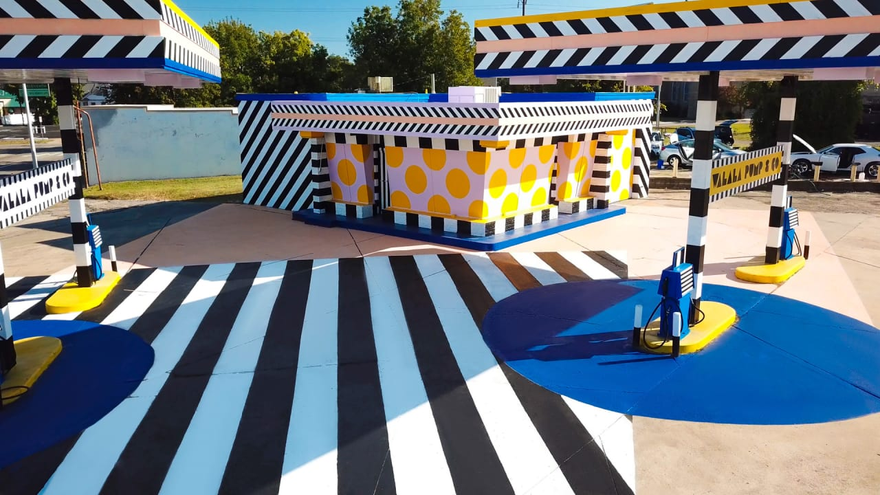 An Abandoned Gas Station In Arkansas Gets A Vibrant Second Life