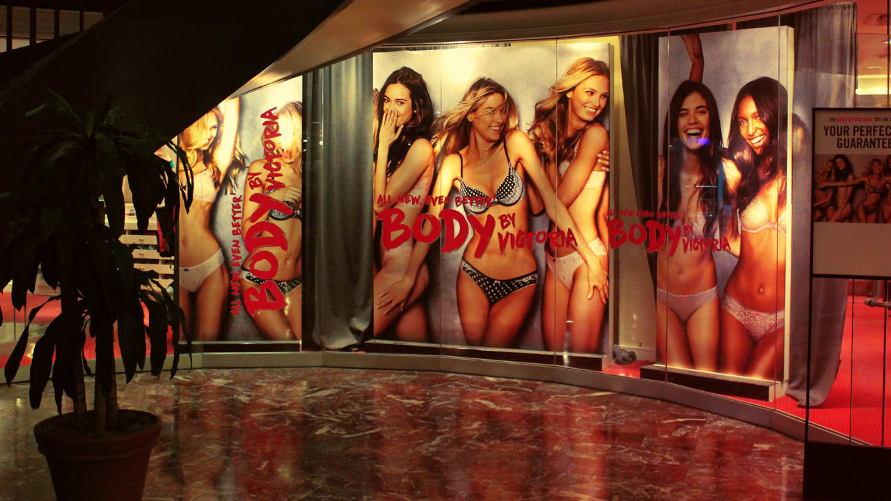 Dear Victoria's Secret: Here's how to recover from your death spiral