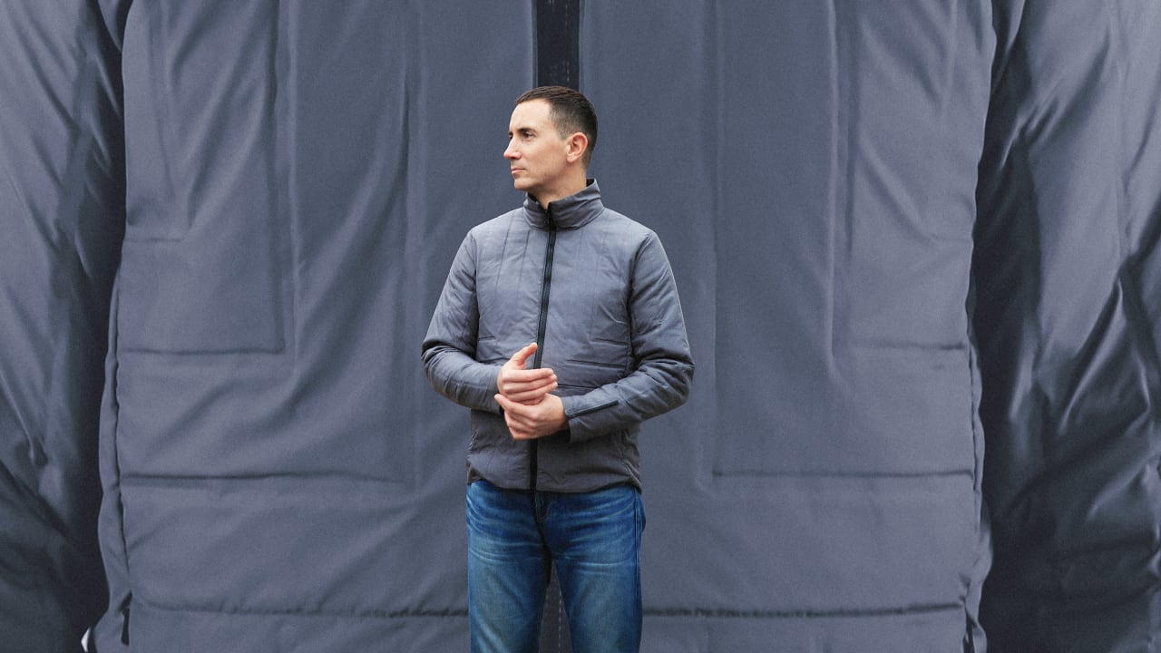 This shape-shifting jacket automatically gets warmer as the temperature drops