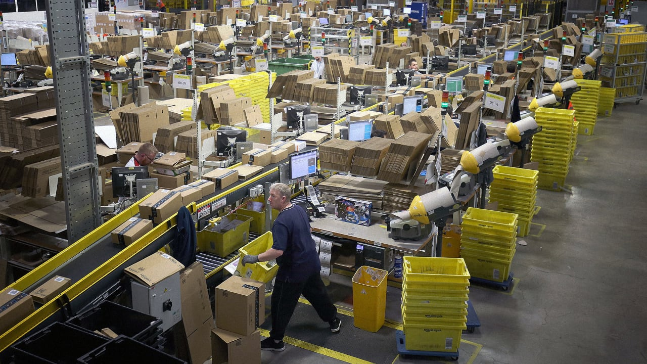 Fear inside Amazon warehouses as workers face sick colleagues and mandatory overtime