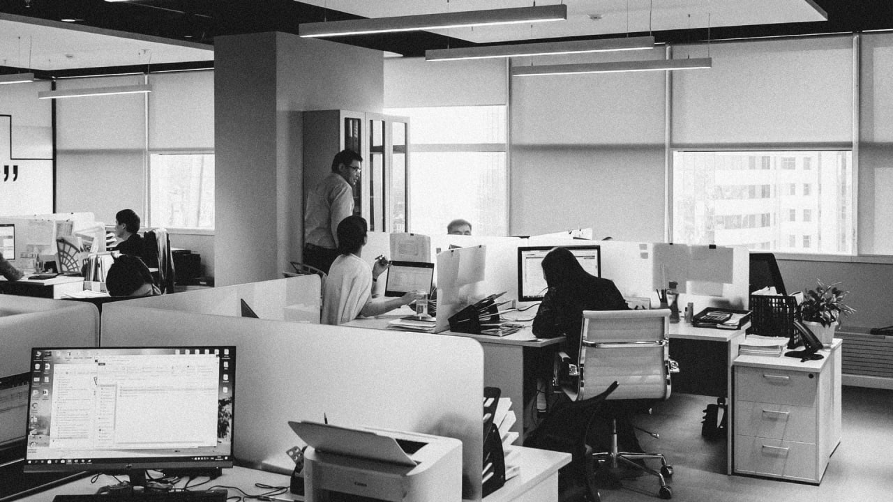 3 ways software can manage employees when they return to the workplace