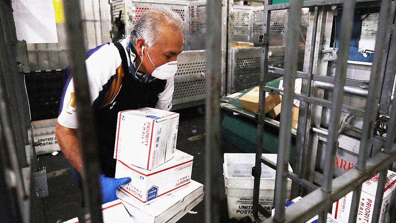 fastcompany.com - The pandemic makes it clear that the Postal Service should get back into the banking business