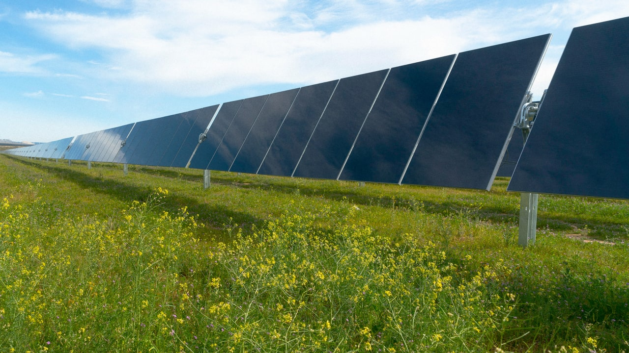First Solar recycles old panels into new ones
