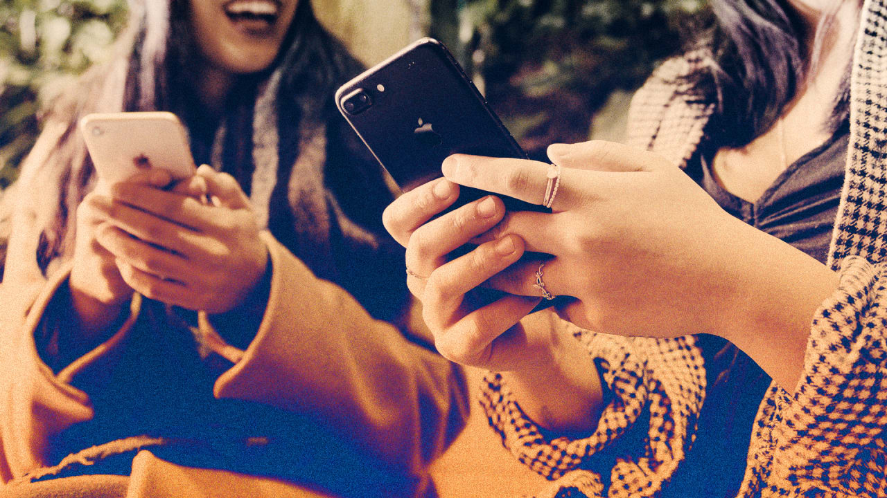 The secret strategy that will finally help you spend less time looking at your phone