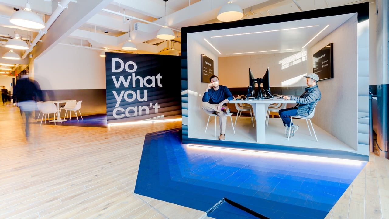 Exclusive Samsung And Wework S Plan To Outsmart Apple S Genius Bar