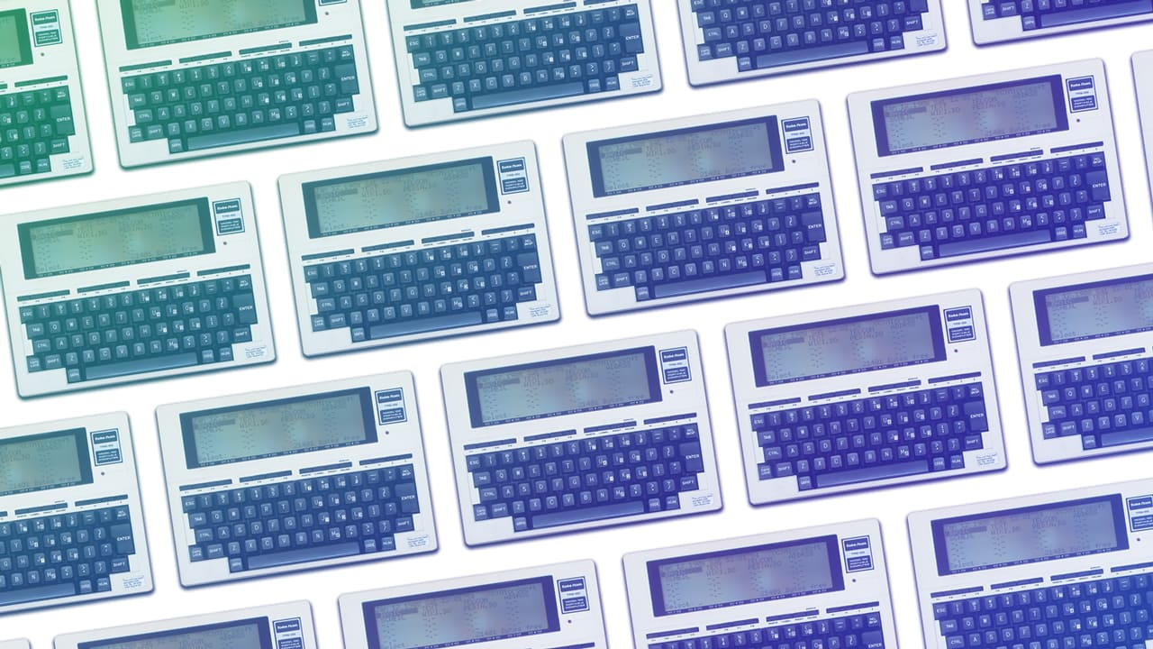 Watch RadioShack's TRS-80 Model 100 usher in the laptop era