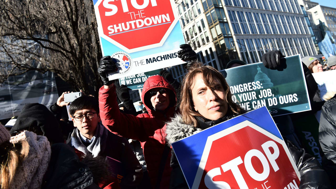 The government shutdown could be a gift for corporate headhunters