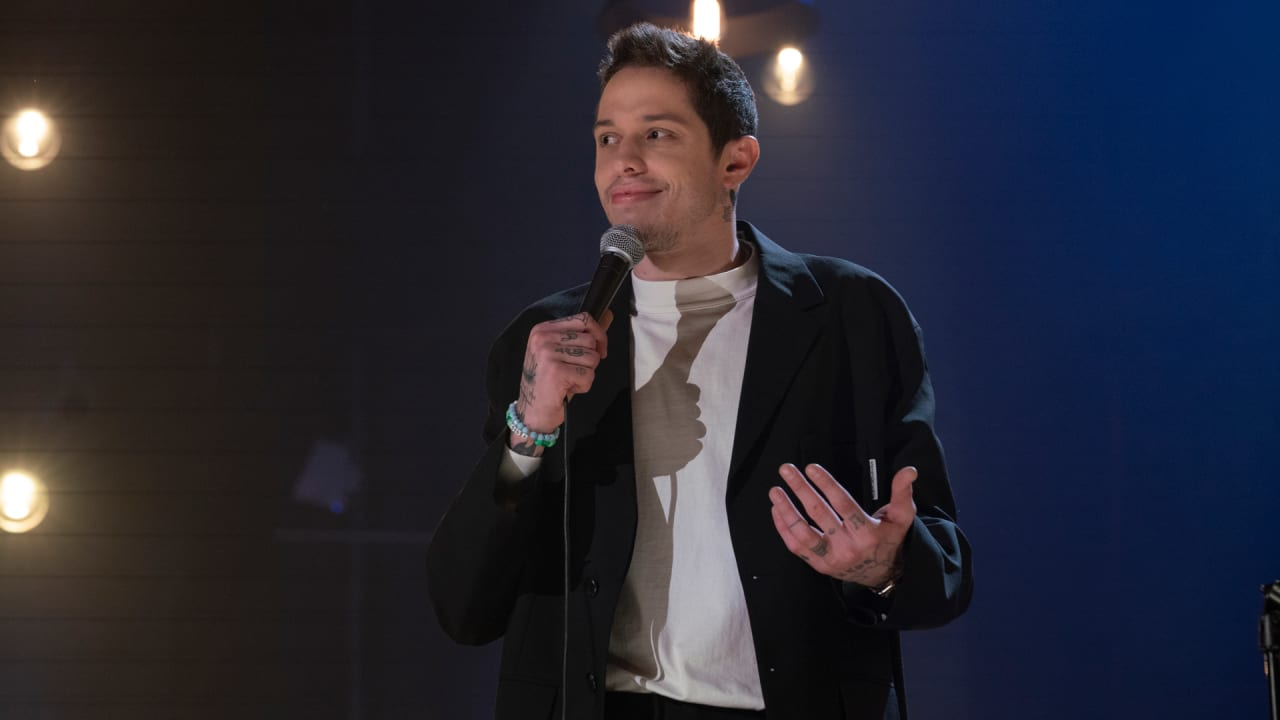 Pete Davidson's Netflix special is like a DVD commentary for his ongoing 'SNL' story