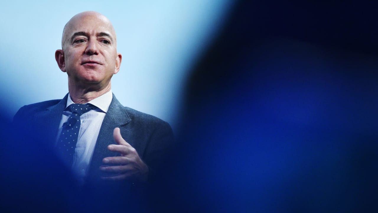 3 things Jeff Bezos looks for in job candidates