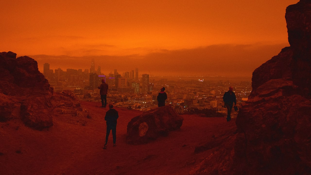 Why the West Coast's orange sky was so unsettling, according to color theory