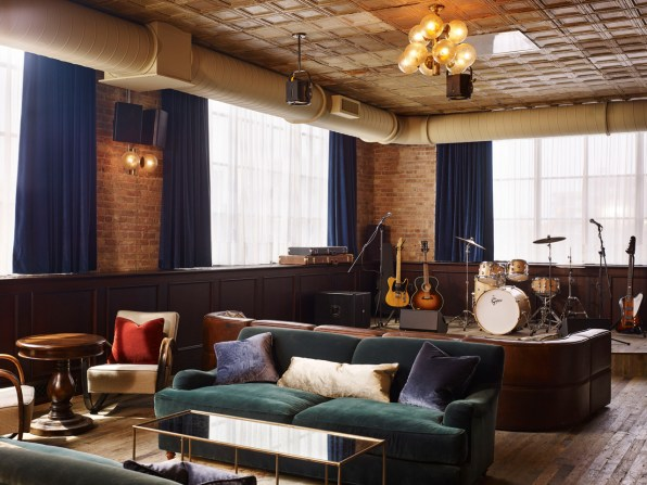 Chicagos Sleek Soho House Has Echoes Of An Industrial Past