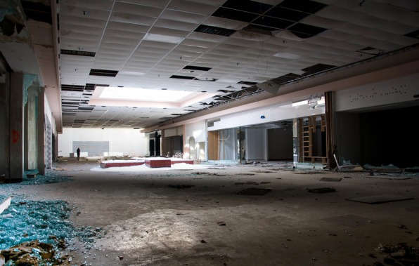Surreal Photos Of Abandoned, Snow-Filled Malls Show The ...