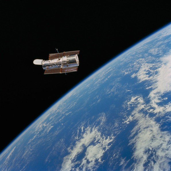 18 Amazing Images From NASA's Hubble Space Telescope