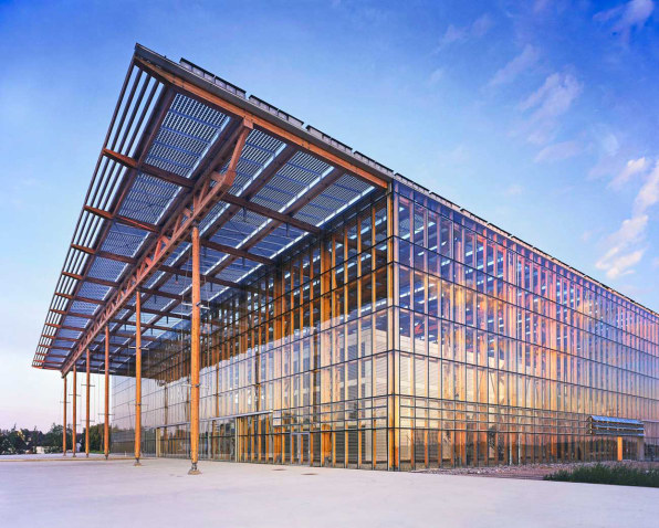 10 buildings that prove solar can be beautiful for Solar architect