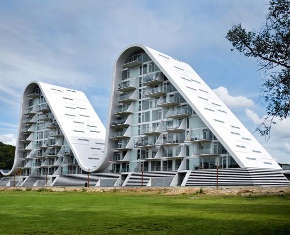 The Wave: Flowing Ashore Photo: Thomas Moelvig/courtesy Henning Larsen  Architects