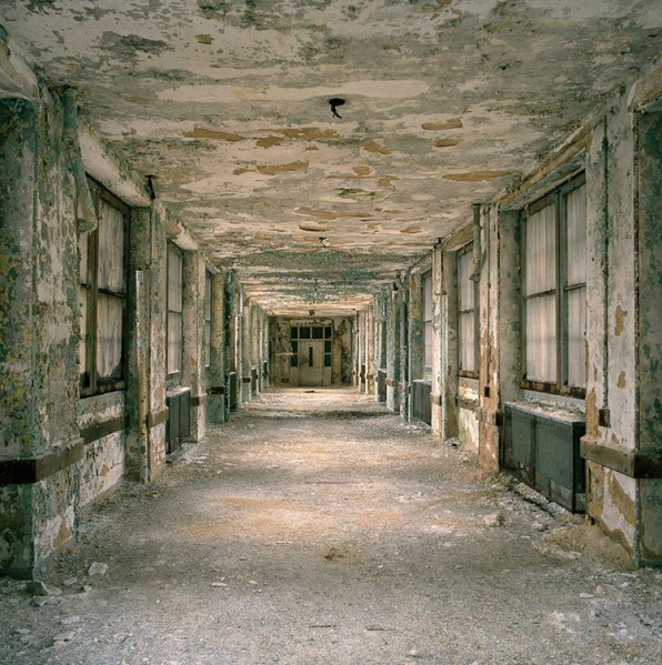 Haunting Photos Of America's Abandoned Asylums
