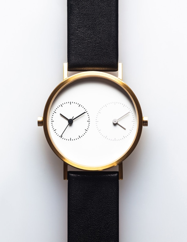 A Watch To Sync You With A Long Distance Love