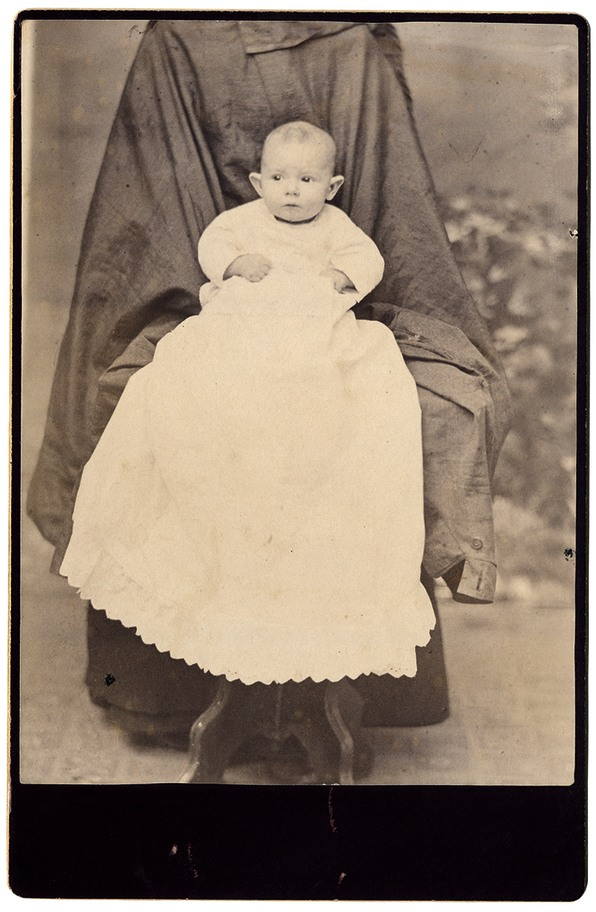 These Victorian Baby Pictures Are Filled With Hidden People