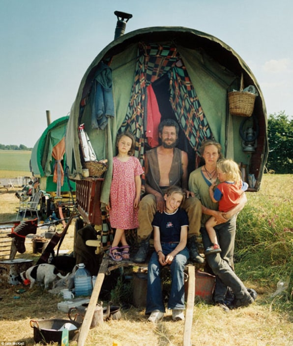 Photographer Captures The Mysterious Lives Of Modern-Day Gypsies