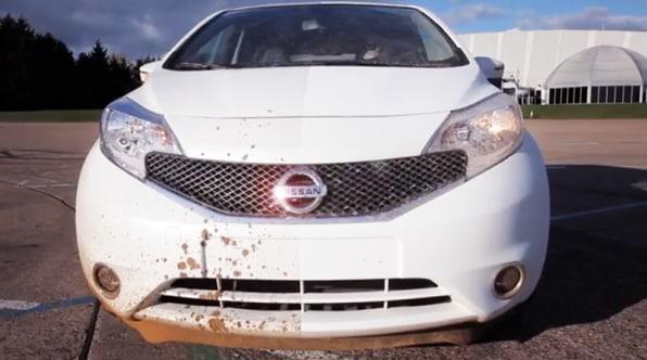 Với loại sơn mới cho xe hơi, bạn không còn phải rửa xe nữa
